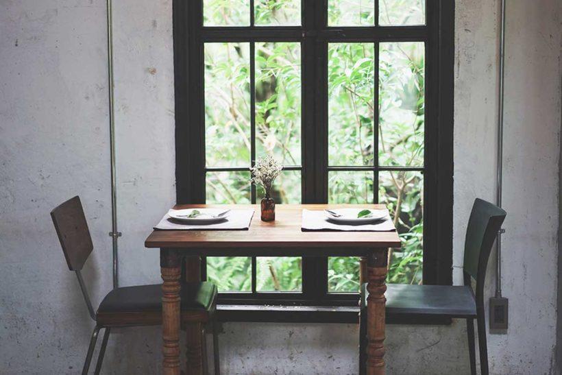 お部屋や仕事場などの空気をすっきりと整えることで気持ちよく過ごせたら、毎日のパフォーマンスも上がりそうですね。早速、週末のお掃除タイムにスマッジングを取り入れてみませんか